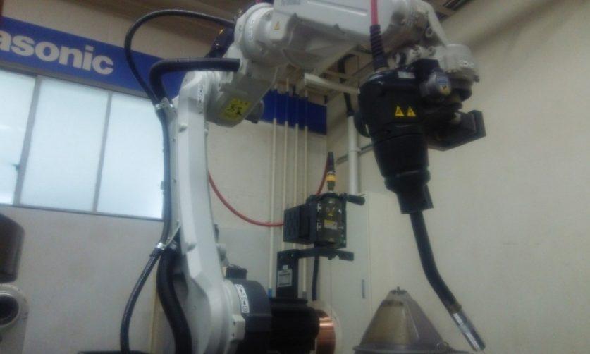 画像: 溶接ロボット/溶接機1